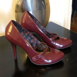 American Eagle Patent leather maryjane's